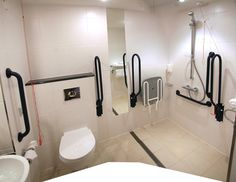 UMA CASA ADAPTADA PARA NECESSIDADES DE LOCOMOÇÃO. Disabled BathroomHandicap  ...