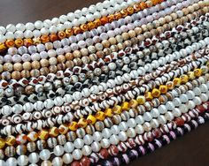 So many different styles of agate! Have you made anything with Dzi agate? Let us know in the comments!  Get them here: http://www.goldenagebeads.com/product/asearch?path=67_18&C=USD&sort=p.price&order=ASC&filter=Material_a-n-15=Agate