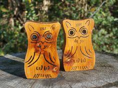 Pair Of Wooden Owl Shakers, Vintage Souvenir Mt. Gayler Tower, Winslow AR