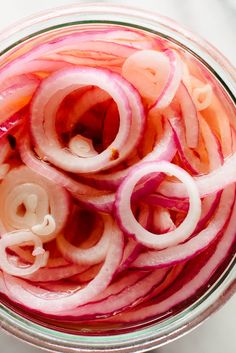 Learn how to make quick-pickled onions! This tangy and crisp quick-pickled onion recipe is ready in 30 minutes. The perfect condiment for tacos, burritos, nachos, burgers and more. Onion Recipes, Mexican Food Recipes, Whole Food Recipes, Cookie Recipes, Vegetarian Recipes, Lentil Recipes, Broccoli Recipes, Avocado Recipes, Sausage Recipes