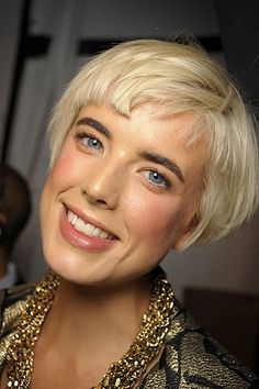 Agyness Deyn - short blunt angular bob