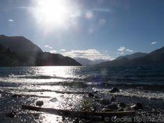 Villa Quila Quina, San Martin de los Andes, provincia de Neuquén, Argentina. Foto a orillas del lago Lacar sobre tierras propiedad de la comunidad mapuche Curruhuinca.