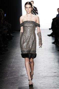 See the complete Dennis Basso Fall 2016 Ready-to-Wear collection.