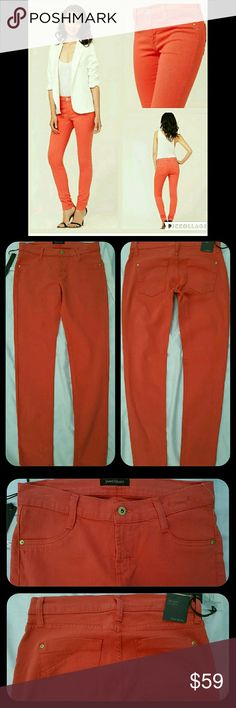 James Jeans  TWIGGY Legging Skinny CORAL 29 Bnwt  JAMES jeans FAUX FRONT POCKETS LEGGING TWILL JEANS PANTS CORAL  SZ 29 MSRP $178 Skinny fits like thee proverbial glove! Coral is thee color faux front pkt means NO front pkts just looks like  there are but not, 2 BACK POCKETS ,STRETCH TWILL MATERIAL, NOT A DENIM!! 81 cotton/17 polyester/2 SPANDEX  Made in USA YAYYY  MEAURMENTS AVAIL UPON REQUEST James Jeans Jeans Skinny