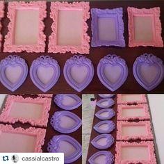 #Repost @cassialcastro with @repostapp ・・・ Quadrinhos que irão decorar o quarto de duas princesas.  via:@bellamia_atelie Visite a loja virtual! www.elo7.com.br/bellamiaatelie  #decoração #molduras #moldurasdegesso #quadros #moldurasprovençais #tecidopoá #decoracaoinfantil #feitoàmão #produtosartesanais #decor #frames #handmade #crafts