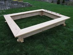 All wood sandbox plans After a year with the plastic turtle sandbox , it was time for an upgrade. Outdoor Play Spaces, Kids Outdoor Play, Backyard For Kids, Build A Sandbox, Wooden Sandbox, Sandbox Ideas, Sandbox Diy, Kids Sandbox, Backyard Playground