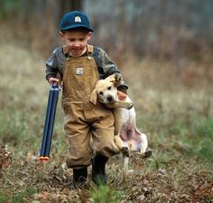 My brother has his hunting lisence and we have a yellow lab.. Reminds me of him haha