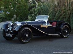 1938 Jaguar SS100 3.5 Roadster  ===>  https://de.pinterest.com/ragazzod/jaguar-ss-100/