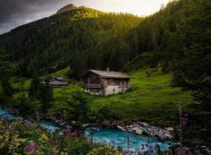 adruidgarden - Posts tagged future home City Landscape, Mountain Landscape, Wooden Shack, River Cottage, Forest Wallpaper, Hd Wallpaper, Scenic Photography, Belleza Natural, Beautiful Places