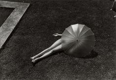 Nude with Parasol - Martin Munkacsi (1935)