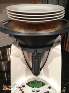 Thermomix Recipes & Tips to make cooking for your family quick, simple & delicious! Meal Plans, a side or two of delicious chocolate recipes and a whole lot of Fun! Delicious Chocolate, Chocolate Recipes, Vegetarian Sweets, Decadent Food, Food Club, Kitchen Aid Mixer, Main Meals, Food Hacks, Meal Planning