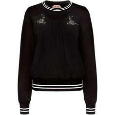 No.21 - Flower Embellished Pleat Detail Sweatshirt (4 500 SEK) ❤ liked on Polyvore featuring tops, hoodies, sweatshirts, decorated sweatshirts, embellished sweatshirt, embellished top, flower sweatshirt and pleated top