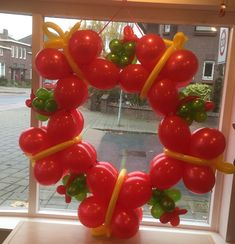 Christmas Balloons, Event Decor, Restaurant, Link, Party, Globes, Crowns, Fiestas, Xmas