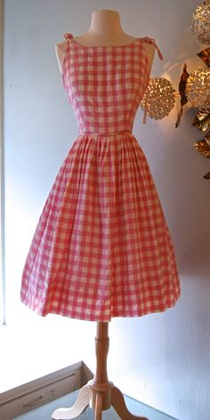Dress // Vintage Cheery Pink Gingham by xtabayvintage Vintage Outfits, 1950s Outfits, Vintage Dresses 50s, 50s Dresses, Pretty Dresses, 1950s Style, 1950s Fashion, Vintage Fashion, Vintage Mode