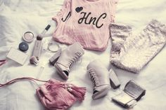 je taime i love you احبك Style Tumblr, Fade Styles, Pretty In Pink, What To Wear, Ideias Fashion, Fashion Beauty, Queen Fashion, Cute Outfits, Vogue
