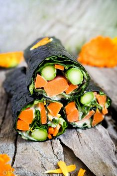 Nori Wraps mit Tahini Sauce, ein kulinarische Weltreise aus 3 Zutaten - Helene Holunder Wrap Recipes, Lunch Recipes, Vegan Recipes, Nori Wrap, Vegan Blog, Vegan Starters, Wraps, Tahini Sauce, Salads