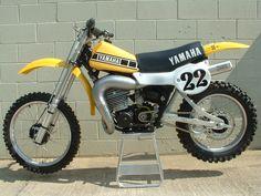Yamaha - old school 2 stroke Mx Bikes, Motocross Bikes, Vintage Motocross, Cool Bikes, Motorcycle Dirt Bike, Moto Bike, 2 Stroke Dirt Bike, Youth Dirt Bikes, Bike Brands