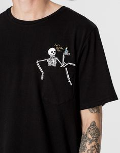 Skeleton pocket print T-shirt - T-shirts - Clothing - Man - PULL&BEAR Albania #menst-shirtsfunny