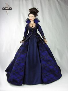 """Outfit Regina, Evil Queen, Inspired by """"Once Upon a Time"""", Creations COTHO"""