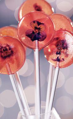 Pretty in Pink: Stunning Edible Flower Lollipops
