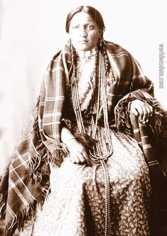 hunkpapa woman photographs | Image Viewer - view images from World Wisdom free online galleries in ...