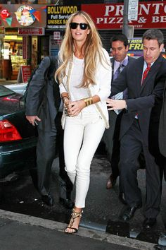 Elle can pull off an all white outfit. (And look a-ma-zing!)