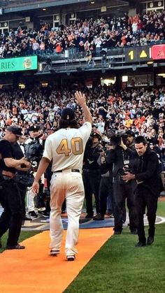 Bumgarner He's so awesome! 2014 World Series, Madison Bumgarner, San Francisco Giants, My Boys, The Man, Bae, Champion, Baseball, Awesome