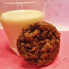 Pink Peppercorn and Lemon Chocolate Cookies {vegan}
