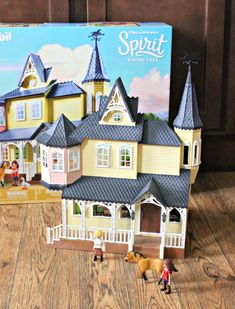 If you have a horse lover on your gift list this year, they are going to love the Playmobil DreamWorks Spirit Riding Free Lucky's Happy Home. Baby Doll Nursery, Baby Dolls, Best Kid Movies, Las Vegas, Horse Stalls, Easy Crafts For Kids, Horse Stuff, Siena, Pet Shop