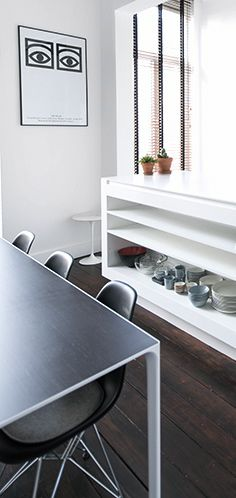 Via Woonblog | Eames DSR Chair | Olle Eksell Poster | Black White
