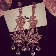 earrings, luxury, and diamond image Prom Accessories, Fashion Accessories, Chandelier Earrings, Dangle Earrings, Pink Chandelier, Diamond Grillz, Piercing, Diana, Diamond Image