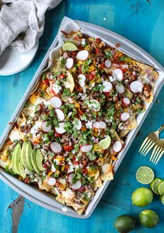 This beef nacho skillet will come out looking so pretty that you almost won't want to dig into it — almost. Get the recipe: sheet pan green chile beef Quesadillas, Easy Dinner Recipes, Easy Meals, Dinner Ideas, Dinner Options, Healthy Dinners, Lunch Recipes, Seafood Recipes, Chile