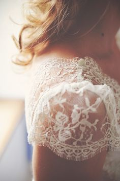 Lace Sleeves Detail