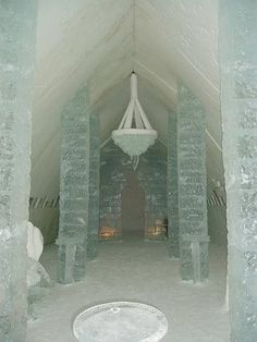 Ice Hotel  http://frenchblue-frenchblue.blogspot.com/search?q=ice=2009-07-13T10%3A45%3A00-07%3A00=20#