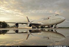 B747 - Thai
