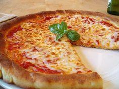 Gluten-Free Pizza / Zoe Singer