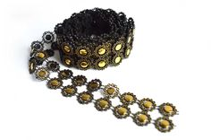 Two Metres of Flower Chain Trimming - Black & Gold - 30mm Wide - 2m Length