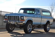 1979 Ford F250 4x4 This SERIOUSLY is what I want.  I need.