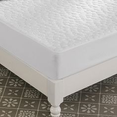 Sleep soundly knowing your mattress won't get damaged with this Greenzone Tencel Mattress Protector. Waterproof yet cool and breathable, this mattress protector is made of absorbent and hypoallergenic Tencel with a pebbled texture for added comfort. Twin Xl Mattress, Queen Mattress, Mattress Protector, Sleep, Canada, King, Bath, Texture, Furniture