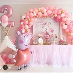 Place the party that may be easy, trendy, along with amazing! Minimal piggies will like Peppa Pig Birthday Cake, Baby Girl Birthday, 2nd Birthday Parties, Birthday Party Decorations, Birthday Garland, Birthday Celebration, Birthday Ideas, Fiestas Peppa Pig, Peppa Pig Balloons