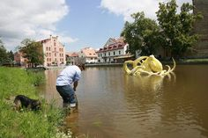 Viktor Palúš: Žlutá chobotnice Eliška (Elisabeth, the yellow octopus) at the Art in the City in České Budějovice (2012)