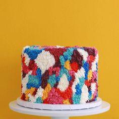 Пушистые торты, которые выглядят точь-в-точь как красочные коврики