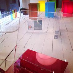 Dove potete toccare con mano il nostro #design in #plexiglass ?  A #verona in via Rosa, presso lo spazio #4design