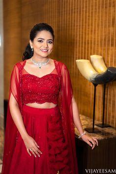 Indian Wedding Planning, Wedding Planning Websites, Lehnga Dress, Lehenga, Indian Bridal Photos, Silk Saree Blouse Designs, Saree Look, Half Saree, Wedding Attire