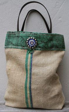 Etsy の Graanzak tote bag met tribal details by KussenvanPaula Tote Bags Handmade, Diy Handbag, Boho Bags, Jute Bags, Linen Bag, Denim Bag, Fabric Bags, Cloth Bags, Beautiful Bags