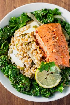 23 high-fiber lunches that'll keep you full 'til dinner. Lunch Recipes, Healthy Dinner Recipes, Diet Recipes, Healthy Snacks, Healthy Eating, Recipies, Fodmap Recipes, Healthy Dishes, Salad Recipes