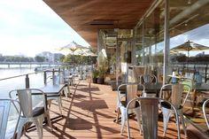 福岡市内のオアシス、大濠公園を望む水辺カフェで、リコッタチーズのパンケーキを|ことりっぷ