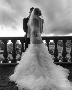 awesome Swaneset Wedding Six months as a married couple!! #lovingeveryminute #newlyweds #love #wedding #swanesetwedding #aisleperfect #theknot #stylemepretty #romance #blackandwhite #celebrate @afarawayland by @diamondsandjuls  #vancouverwedding #vancouverweddingvenue #vancouverwedding #vancouverweddingdosanddonts #vancouverweddingvenue