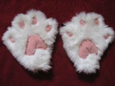 Kitty Paw Tutorial. http://www.instructables.com/id/How-to-Make-Cute-Kitty-Paw-Mittens/?ALLSTEPS#IMG_0658.JPG
