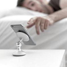Ideal für alle Smartphone-Junkies: Ein Halter aus feinstem, massivem Aluminium. Hier entdecken und kaufen: http://sturbock.me/4W3